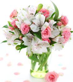 Romantic bouquet of roses and alstromeria