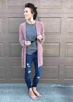 Day to day Style Tips Early Spring. Entails: cardigan, adorable sneakers, distressed denim, graphic tee, leopard… - http://fashion90.com/day-to-day-style-tips-early-spring-entails-cardigan-adorable-sneakers-distressed-denim-graphic-tee-leopard/