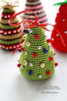 crochet pattern - little Christmas trees