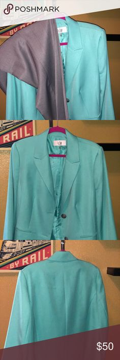 LeSuit Women's Career Suit Two-piece woman's career suit, fully lined in excellent condition. Le Suit Jackets & Coats Blazers