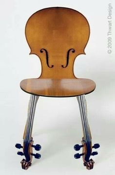 Chaise violon. hang upside down.