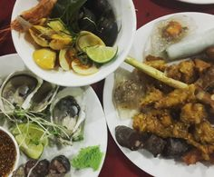 lunch with lovely friends; blood sausages, deep fried crocodile #vietnamese #food #hanoi