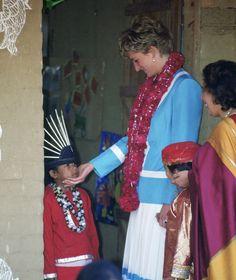 Princess Diana Visiting The Tamana Special Needs Nursery School In Delhi, India.