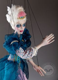 Welcome our new art masterpiece marionette - The duchess Victoria!