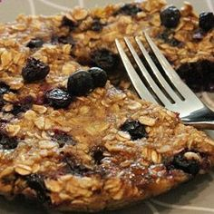 For breakfast? Blueberry Banana Oat Cakes 1 ripe banana, mashed 1/2 cup dry oats 1 teaspoon cinnamon 1/4 cup blueberries (fresh) Dash of vanilla extract .