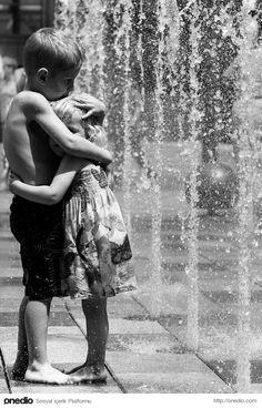Kardeş Sevgisinin Bir Başka Olduğunu Ortaya Koyan İçinizi Isıtacak 19 Kare