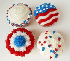 These Fourth of July cake and cupcake ideas are perfect for your 4th of July themed party! With these cake and cupcake decorating ideas, accessories...