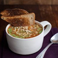"""Looks delicious and it's healthy // """"Quinoa White Bean Stew"""" 