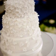 cake wedding white hydrangea wedding cake icing petal contemporary hydrangea petals contemporary cake Spring Summer cakes soft