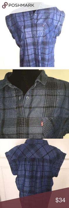 Levi's NWT short sleeve denim top plaid perfect! Levi's top never goes out of style!  Traditional cut, slimming and modern looking.  Subtle plaid fabric adds to appeal. Levi's Tops Button Down Shirts