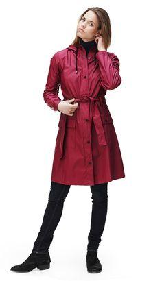 Het voordeel van de regen zijn de leuke regenjassen!! Nu bij Weidesign ook Rains jassen! Bekijk alle kleuren in de winkel of online: https://www.weidesign.nl/produkten/4971/s