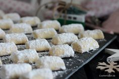 Christmas Recipes dream pieces with marzipan marzipan plaetchen christmas baking recipes c . Easy Cookie Recipes, Easy Healthy Recipes, Fall Recipes, Low Carb Recipes, Pillow Cookies Recipe, Delicious Desserts, Yummy Food, Biscuits, Bakery Recipes
