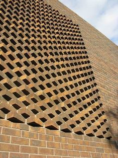 brick flooring Brick wall decor will give a lovely flair to your home! Be it sumptuous or country-like, the brick facade deserves a place in your home! Detail Architecture, Brick Architecture, Brick Design, Facade Design, Wall Design, Brick Wall Decor, Brick Bonds, Brick Cladding, Brick Flooring