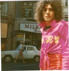 Marc Bolan fan photo, 9/13/77 (3 days before the fatal car crash). This is the last known photo of him.