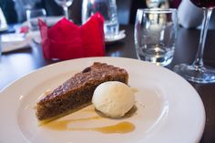 Pecan tart with maple syrup ice cream