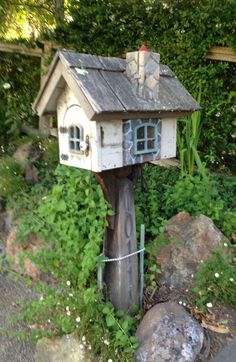 Hey, this is a cute mailbox, I want one in my garden to hold my small tools and gloves! photo by sari fredrickson.