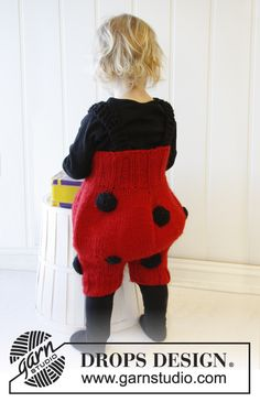 "Free pattern: Knitted DROPS lady bug pants for costume parties in ""Eskimo"". Size 1 - 6 years. ~ #DROPSDesign #Garnstudio #Carnival"