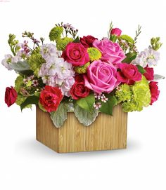 Send flowers from a real Brooklyn, NY local florist. The Avenue J Florist has a large selection of gorgeous floral arrangements and bouquets. We offer same-day flower deliveries for flowers. Beautiful Bouquet Of Flowers, All Flowers, Summer Flowers, Green Carnation, Share Pictures, Send Flowers Online, Online Florist, Same Day Flower Delivery, Mothers Day Flowers