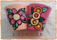 """""""El arte es, sobre todo, un estado del alma"""". Painted Clay Pots, Painted Flower Pots, Clay Pot Crafts, Pebble Painting, Terracotta Pots, Rock Art, Flower Patterns, Artsy Fartsy, Peace And Love"""