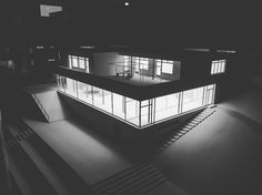 "Gefällt 44 Mal, 2 Kommentare - Fila (@flpkfmn) auf Instagram: ""#tugendhat #villa #brno #architecture #ludwigmiesvanderrohe #model #cz #czechia #citylife…"""