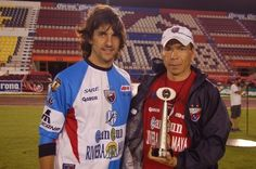Federico Vilar y el DT José Guadalupe Cruz
