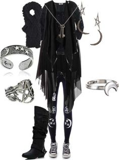 Dark Mori Fashion and Lifestyle---love everything about this picture Mori Fashion, Fashion Mode, Witch Fashion, Gothic Fashion, Style Emo, My Style, Casual Goth, Witchy Outfit, Visual Kei