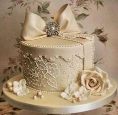 dentelle gâteau boîte à chapeau