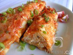 Vyzkoušejte recept inspirovaný mexickou kuchyní na kuřecí enchiladas. Jedná se o tortilly plněné kuřecí směsí a zapečené s jemně pikantní rajčatovou omáčkou a sýrem. Enchiladas, Street Food, Lasagna, Hamburger, Food And Drink, Pizza, Chicken, Meat, Cooking