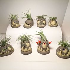 Most up-to-date Free of Charge Clay pottery planters Suggestions Zauberhafte Monster Pflanzgefäße Ceramic Monsters, Clay Monsters, Clay Crafts For Kids, Diy Crafts, Simple Crafts, Felt Crafts, Ceramic Pottery, Ceramic Art, Magical Monster