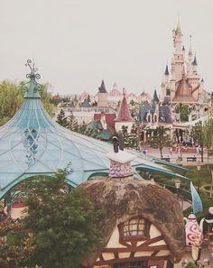 Disneyland Paris: 8 Tips and Our Vacation Photos. http://everclevermom.com/2014/05/disneyland-paris-8-tips-and-our-vacation-photos/