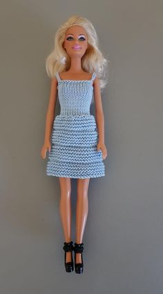 Barbie Knitting Patterns, Barbie Clothes Patterns, Clothing Patterns, Doll Clothes, Barbie Stuff, Hello Dolly, Barbie Dress, Barbie And Ken, Knits
