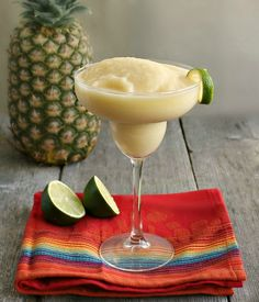 Tropical Fiesta Cocktail for Cinco de MayoFor 2 servings: 4 oz. Rum 1 Banana, frozen if possible 4 oz. Coconut cream (we used Coco Lopez) 2 oz. Pineapple Margarita, Margarita Cocktail, Cocktail Drinks, Cocktail Recipes, Pineapple Juice, Margarita Glasses, Drink Recipes, Jalapeno Margarita, Smoothie Recipes