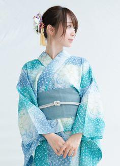 愼 ☼ ριητεrεsτ policies respected.( *`ω´) If you don't like what you see❤, please be kind and just move along. Kimono Japan, Yukata Kimono, Kimono Dress, Japanese Kimono, Japanese Girl, Cute Asian Girls, Beautiful Asian Girls, Cute Girls, Traditional Kimono