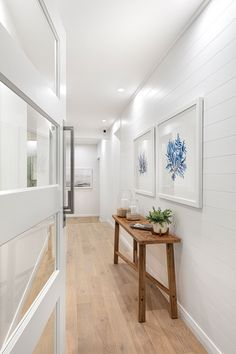 From the moment you step inside a coastal beach house, the features and treatments inspire the feeling of sitting on the sand by the ocean in the late afternoon breeze.   Discover our newest Forster Grange Display Home