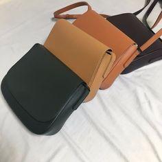 Leather Bag Tutorial, Leather Bag Pattern, Black Handbags, Purses And Handbags, Leather Handbags, Photography Bags, Cat Bag, Diy Handbag, Everyday Bag