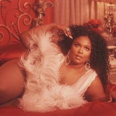 lizzo selfie body positivity plus size fashion Boujee Aesthetic, Black Girl Aesthetic, Aesthetic Collage, Aesthetic Photo, Aesthetic Pictures, Orange Aesthetic, Rainbow Aesthetic, Bedroom Wall Collage, Photo Wall Collage