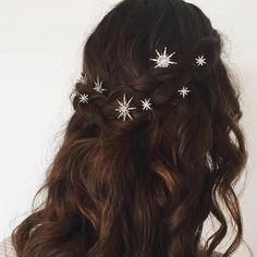 Cristal Agrémentée Aurora Étoile Bobby Pin Paire - Crown and Glory Debut Hairstyles, Bobby Pin Hairstyles, Fancy Hairstyles, Winter Hairstyles, Braided Hairstyles, Beautiful Hairstyles, Starry Night Wedding, Star Hair, Star Wedding