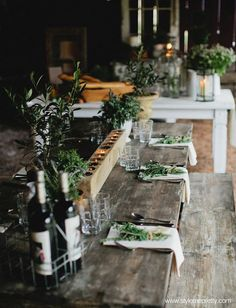 Prettiest wedding tablescapes - 45 Ways to Dress Up Your Wedding Reception Tables ; From rustic to elegant sophisticated wedding. Don't miss these 45 fabulous wedding tablescapes for wedding reception Wedding Table Settings, Place Settings, Setting Table, French Table Setting, Restaurant Table Setting, Deco Table, Decoration Table, Outdoor Dining, Rustic Outdoor