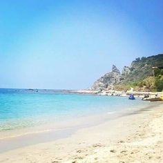 La bellissima spiaggia di #Grotticelle a #CapoVaticano di #Ricadi vicino #Tropea. #Viaggi esperienziali a Sud Italia.