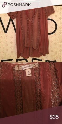 Gimmicks by BKE top Cute Gimmicks by BKE top from Buckle! Rust color! Buckle Tops Blouses