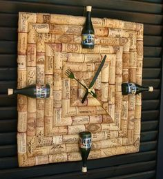 Wine Time - DIY Up-cycled wine cork clock. Its always wine-o-clock somewhere! Wine Craft, Wine Cork Crafts, Wine Bottle Crafts, Wine Cork Projects, Diy Projects, Diy Cork, Wine Cork Art, Wine Bottle Corks, Wall Clock Design