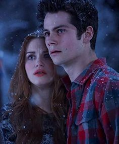 Holland Roden and Dylan O'Brien in Teen Wolf Lydia Teen Wolf, Stiles Teen Wolf, Teen Wolf Boys, Teen Wolf Cast, Teen Wolf Allison, Dylan O'brien, Teen Wolf Series Finale, Tenn Wolf, Teen Wolf Scenes