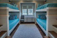 WaterColor Beach Home beach house bunk room with turquoise bedding Bunk Bed Rooms, Bunk Beds With Stairs, Cool Bunk Beds, Kids Bunk Beds, Bunk Bed Designs, Tropical Home Decor, Coastal Living Rooms, Beach House Decor, Beach Houses