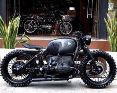 """4,031 Likes, 25 Comments - G Ξ N T L Ξ M Λ N M O D Ξ R N™ (@gentlemanmodern) on Instagram: """"Night Ride ut with #R100rs Custom Super Matte Black Wolf by @smithsvintageclub #BMW #scrambler…"""""""