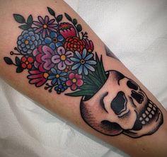 traditional bouquet tattoo - edit skull maybe with a galaxy? Skull Tattoos, Leg Tattoos, Flower Tattoos, Body Art Tattoos, Sleeve Tattoos, Cool Tattoos, Calf Tattoo, Tattoo Ink, Tatoos
