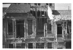 Bombardeos aeronavales de Valencia y poblados marítimos (entre 1936 y 1939) - Finezas Valencia, Civilization, Spanish, Cabin, War, House Styles, Decor, Civil War Photos, Decoration
