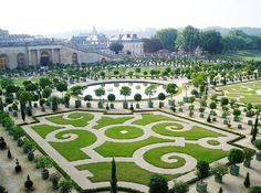 Versailles, France  https://www.facebook.com/Maladviagem