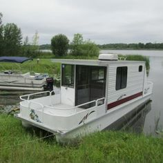 Pontoon Houseboats For Sale, Small Houseboats For Sale, House Boats For Sale, Boat House, Tiny House, Carver Boats, Trailerable Houseboats, Shanty Boat, Yacht Builders