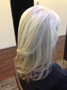 Pattern matching blonde highlights on natural gray hair @Dres Hair Salon  Spa Scottsdale, AZ by Andre Aronica.
