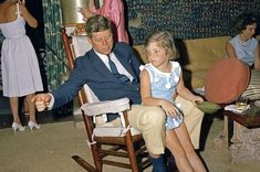 8 Festive Photos Of The Kennedy's Celebrating Easter In 1963 Caroline Kennedy, Jackie Kennedy, Sweet Caroline, Florida Mansion, Derek Hough, Alyson Hannigan, Diana Ross, Maroon 5, Sabrina Carpenter